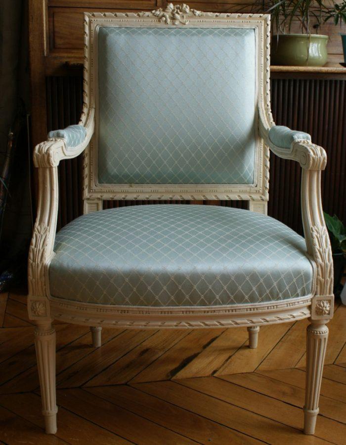 Fauteuil style Louis XVI